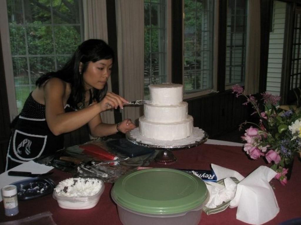 wedding cake person 2